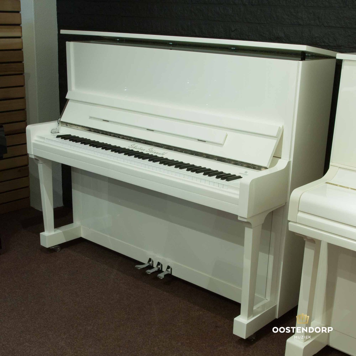 Hoogglans Witte Piano.Sebastian Steinwald 125 Pwh Zilver Piano